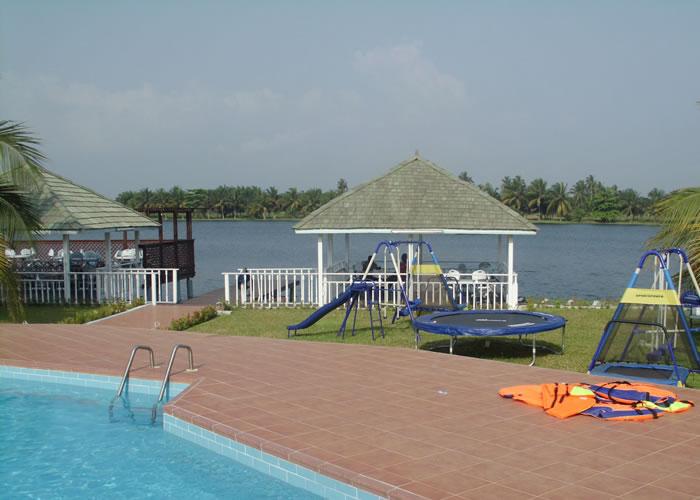 big-poolside3