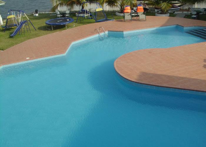 big-poolside9